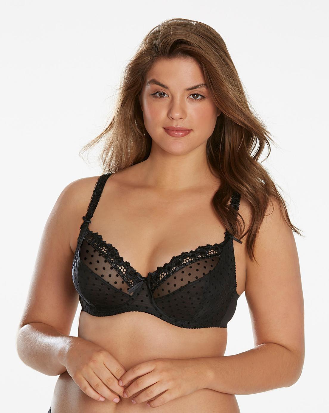 3 Pallets Women's Bras, Swimwear, Undergarments & More, 2,680 Pieces, Ext. Retail £77,594, Shaw, UK