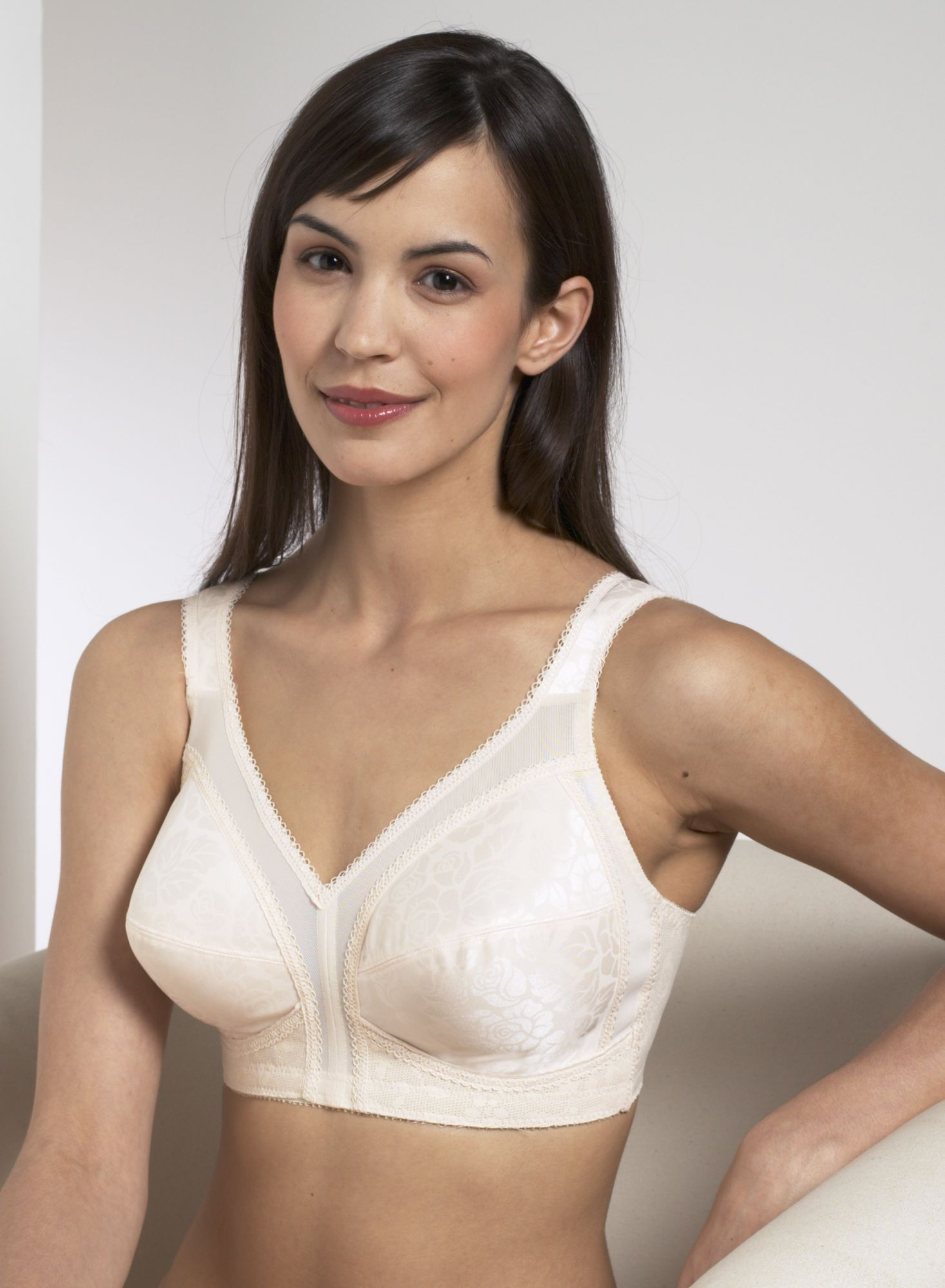 Est. 3 Pallets of Timeless Comfort Women's Soft Cup Bras, 3 Ext. Retail $84,700, Kings Mountain, NC