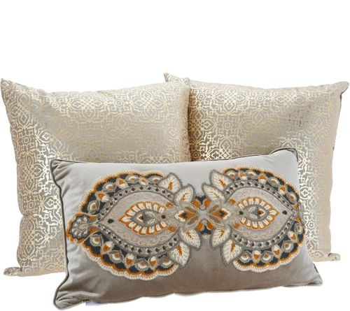 6 Pallets of Sets of 3 Decorative Throw Pillows by Vivere Home, 60 Sets, (Lot 1_6849), Ext. Retail $3,360, Rocky Mount, NC