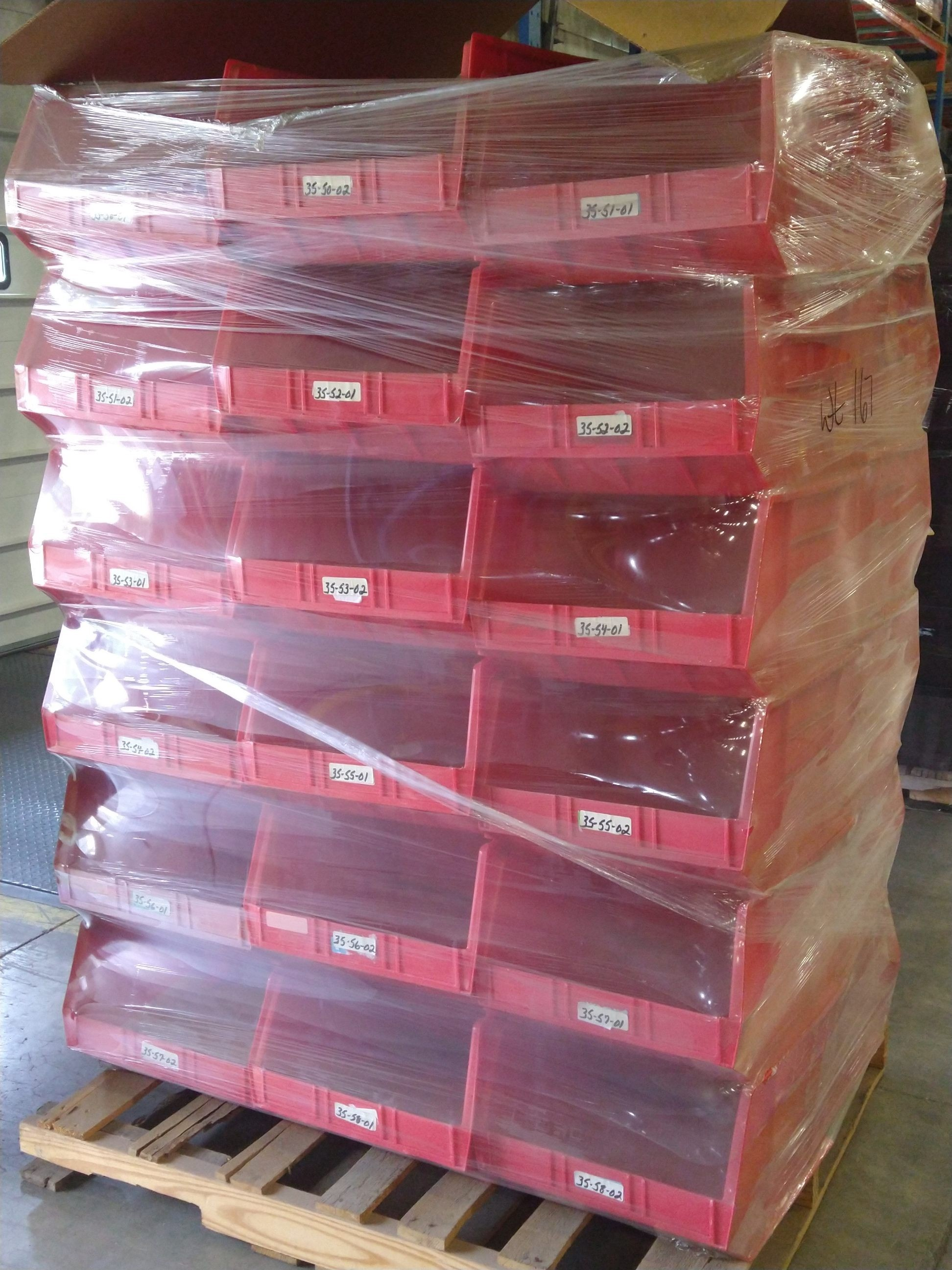 9 Pallets of Unmanifested Plastic Totes (Totes_2) Groveport, OH