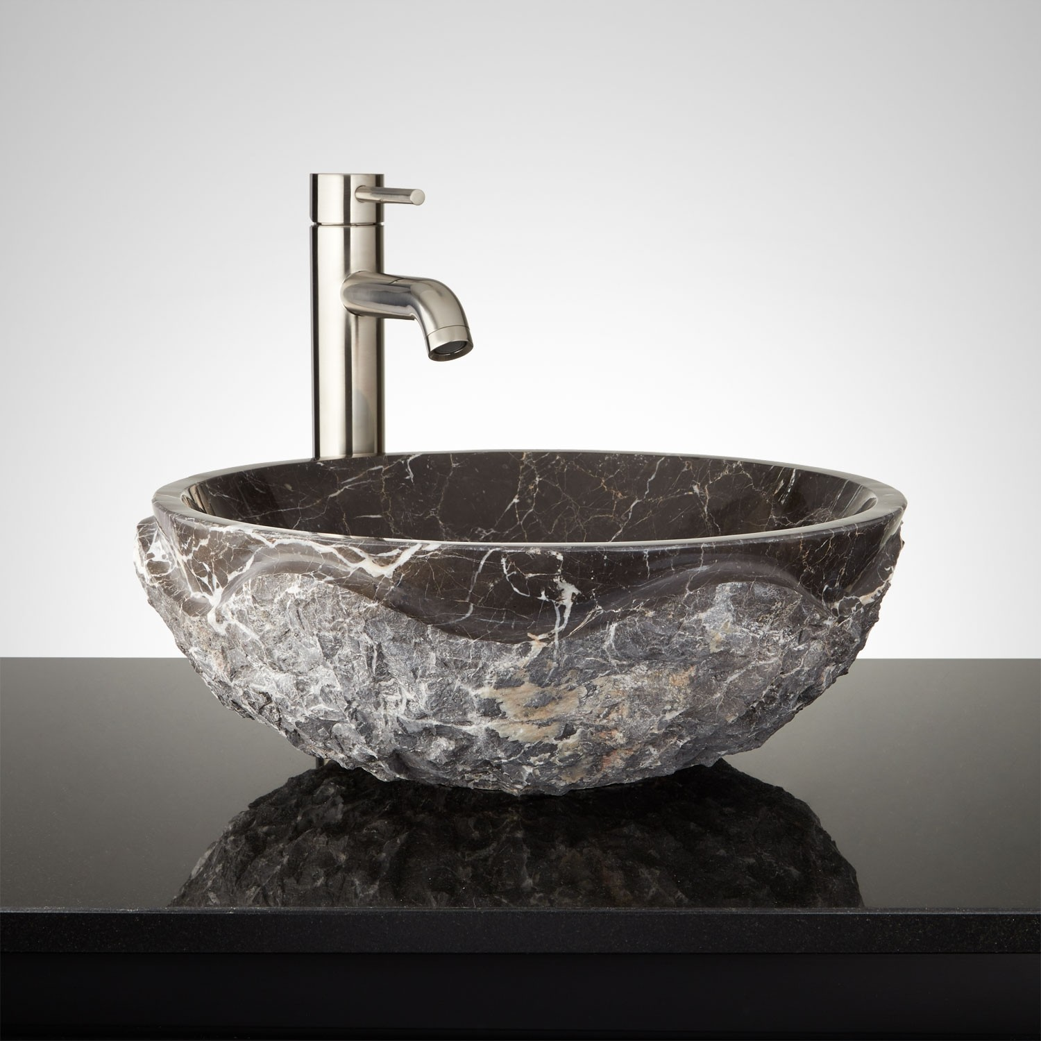 Truckload from Signature Hardware of Unmanifested Sinks, Faucets, Showers, Mirrors & More, Est. Retail $220,230, Erlanger, KY