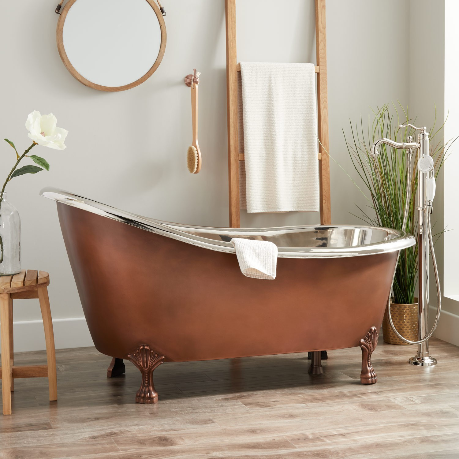 Truckload from Signature Hardware of Copper & Cast Iron Freestanding Bathtubs Ext. Retail $56,595, Erlanger, KY