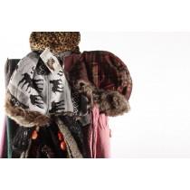 Branded Scarves, Caps, Gloves, 150KG, Grade A Condition, Est. Original Retail €51,000, Hannover, DE