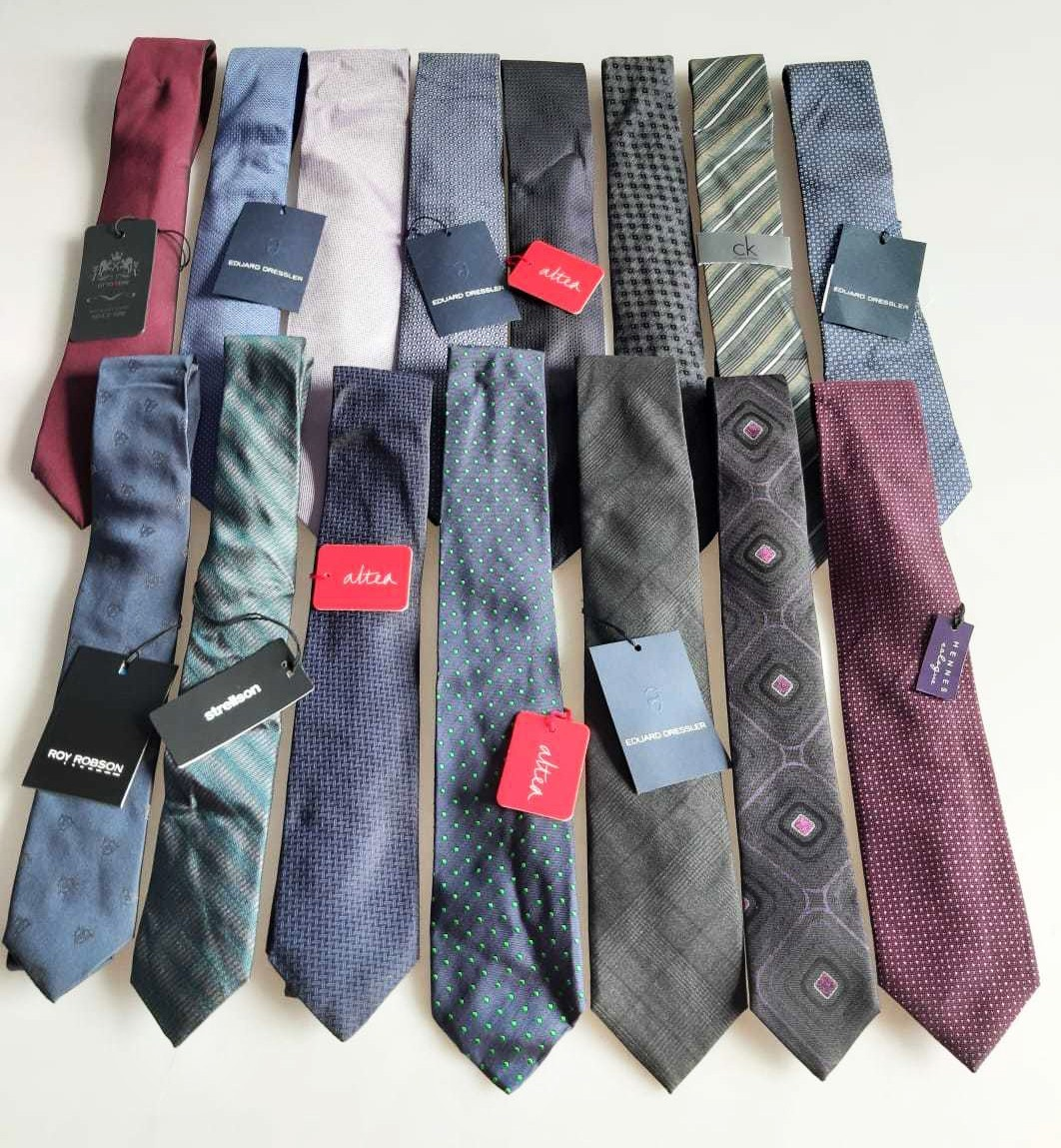 Calvin Klein, Tommy Hilfiger, Hennes & More Men's Branded Ties Est. Original Retail €8,970, Tanna, DE
