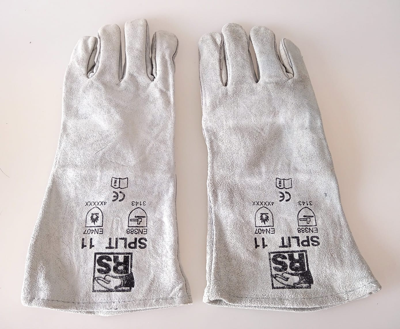 RS Split Professional High-Quality Heat Protection Gloves, 360 Pairs, Est. Original Retail €4,680, Tanna, DE
