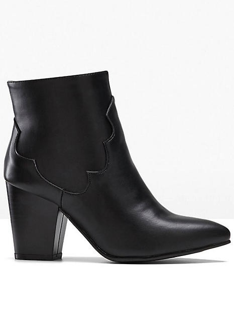 2 Pallets of Heeled Boots, Ankle Boots & More, 154 Pairs, Est. Original Retail £8,145, Bradford, GB