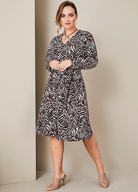 1 Pallet of Kaleidoscope Skirts, Dresses & More Est. Original Retail £8,453, Bradford, GB