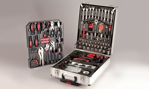 5 Pallets of Tool Sets, Cookware, Bedding & More, 855 Pieces, Est. Retail €48,000+, Ghent Area, Belgium