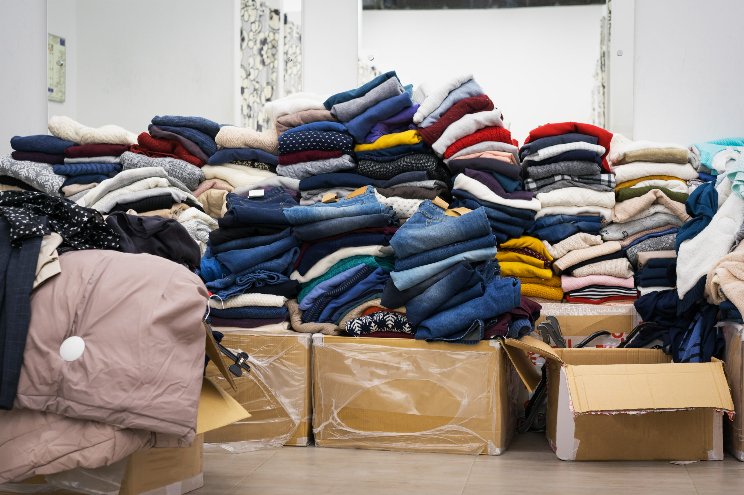 Sell More Excess Apparel:  How B-Stock Helps Your Inventory Move Faster