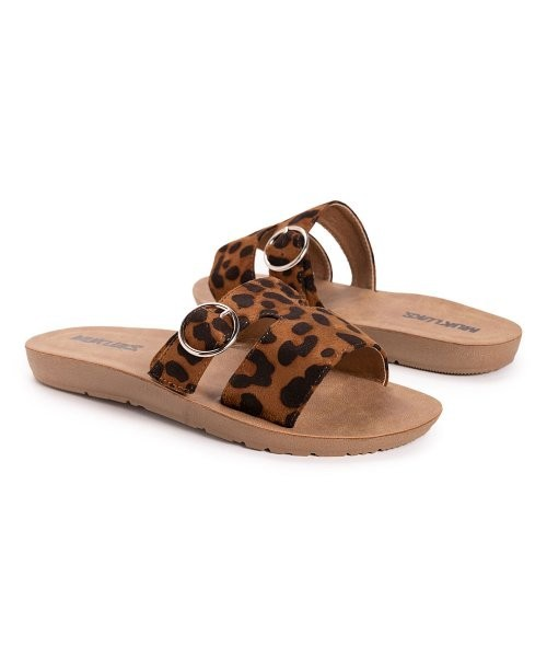 2 Pallets of Sandals, Casual Boots, Sneakers & More by Clarks, JBU by Jambu & More, 376 Pairs, Good / Fair, Ext. Retail $26,657, McCarran, NV